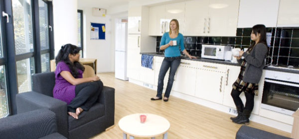 If you are looking for a place in Stoke Newington, look no further than Newington Court! One of the best and cheapest flatshares North London has to offer